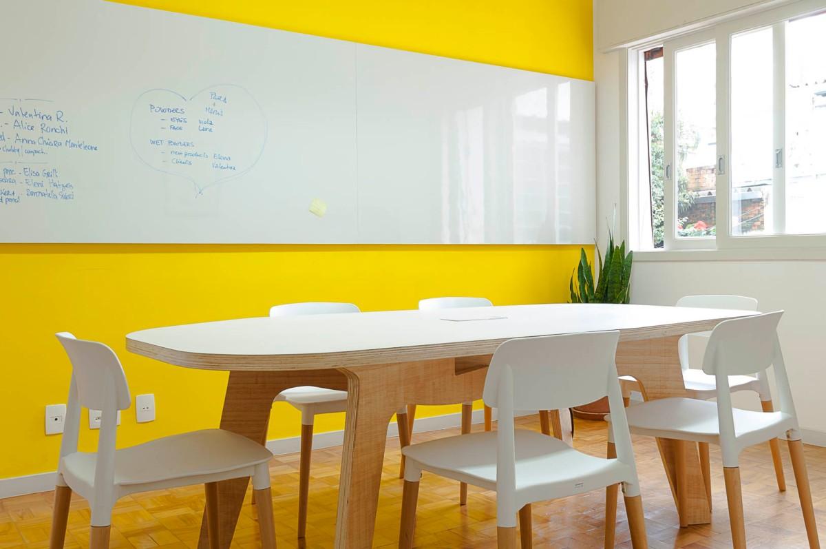 Qual a melhor cor para pintar a sala de reuniões?