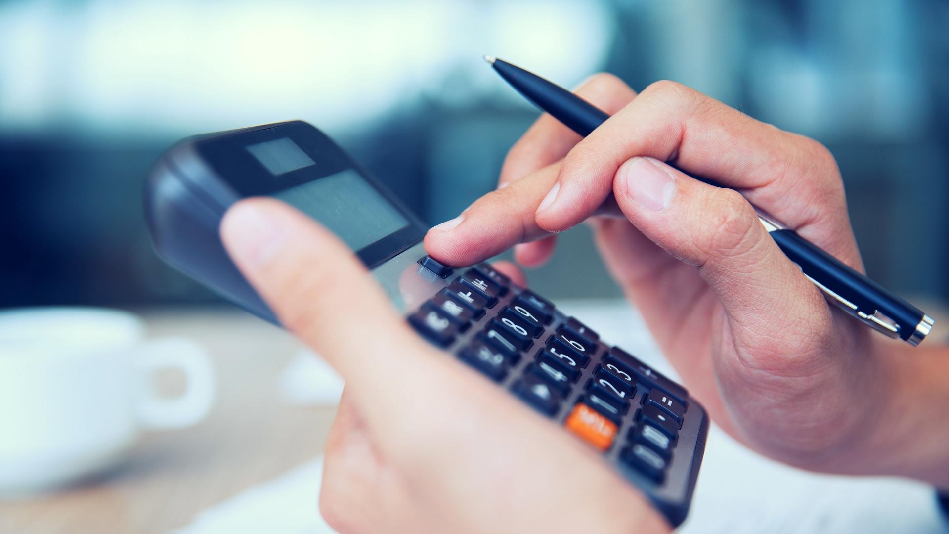 Aproveite a nossa calculadora para saber os custos de limpeza terceirizada